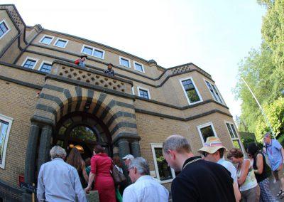 1. Publiek loopt Memhis Villa in Balkon Festival 23-06- 2019 - PattyPeppe Fotografie-17