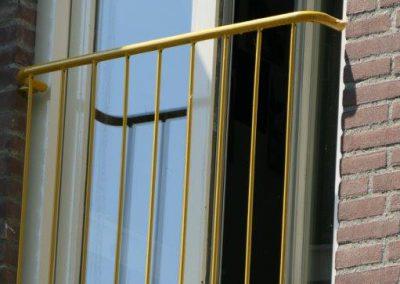 Minion op balkon P1070403