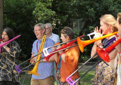 Publiek trombone spelen P1070352